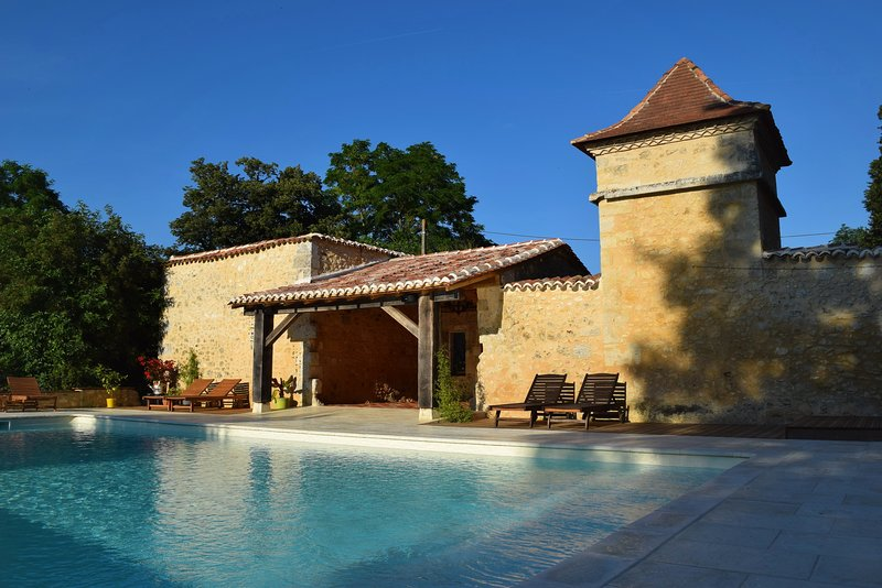 Lots of character, plenty of space, 3 acre gardens, fabulous 12m x 6m heated pool