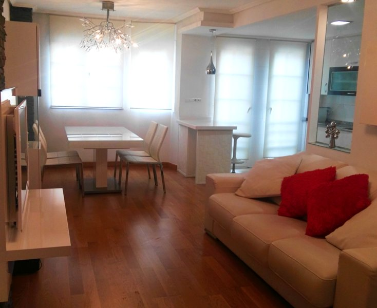 Beautiful apt with balcony & Wifi, holiday rental in Bembibre