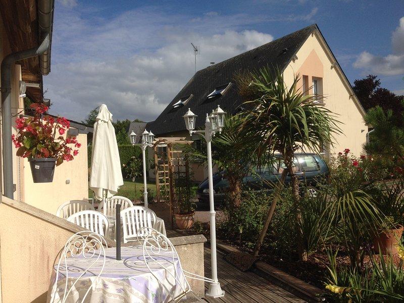 Les Gîtes du GR 224 /  2 gîtes , 4 , 6, et 10 personnes, vacation rental in Pont-Audemer