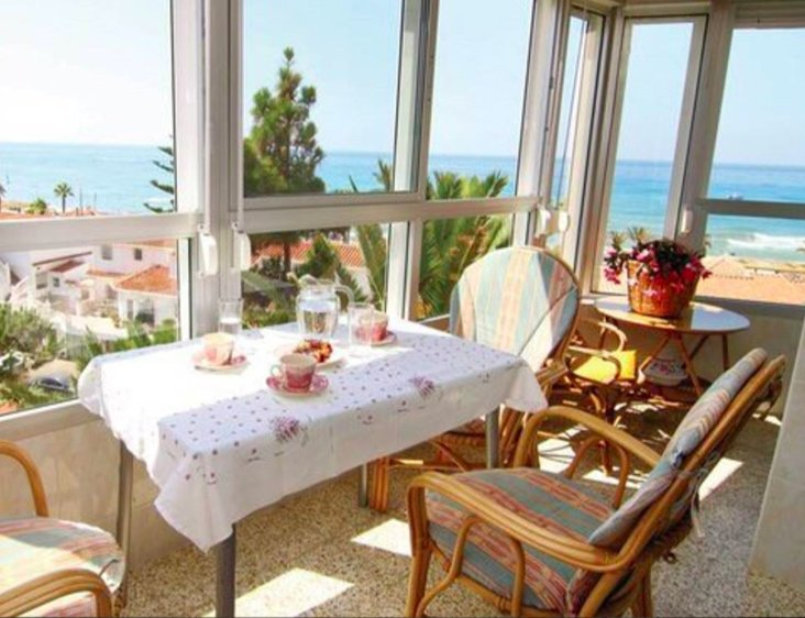 Apartamento Luz del Mar, a pie de playa, holiday rental in Torrox