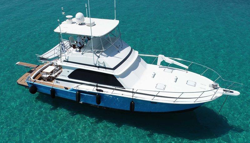 Invictus, Bertram 46.6 Luxury Yacht, 16m. overall, vacation rental in Ormos Panagias