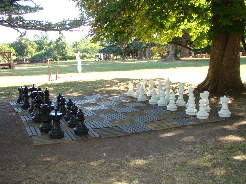 Spiele im Freien Schloss Bridoire