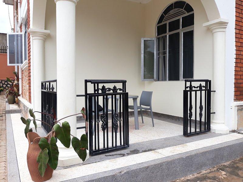 HBNK INTERNATIONAL AGENCY UGANDA, holiday rental in Entebbe