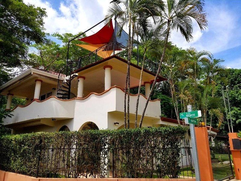 Casa Cerca Del Mar-- sólo 100 pies de la arena!