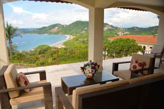 3 Bedroom 3 bath Villa with Sensational ocean and mountain views. Villa Danubio, aluguéis de temporada em Playa Hermosa