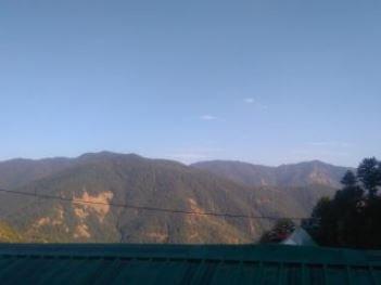 Kanwar home stay (Room 1), vacation rental in Janedghat