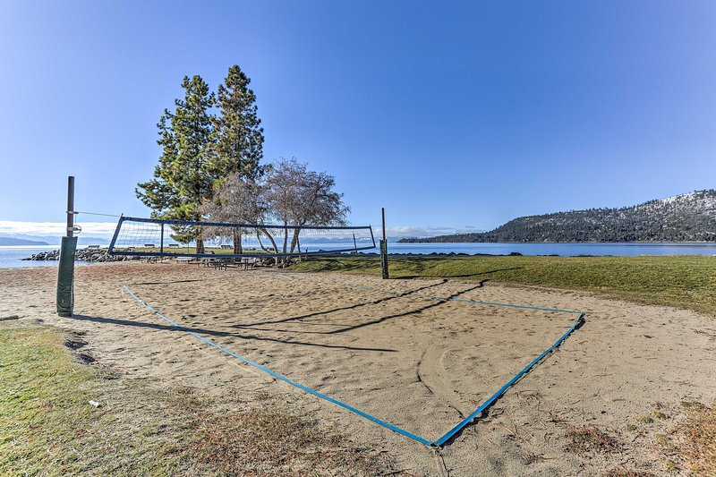 Head down to the private beach to discover the splendors of Lake Tahoe.