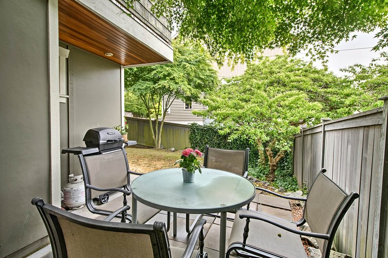 Book your Seattle escape to this 3-bedroom, 3-bath vacation rental townhome!