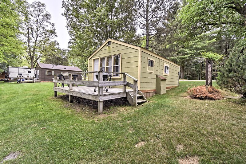 Montello Studio Cottage w/ Pier & Dock on Ox Creek, location de vacances à Westfield
