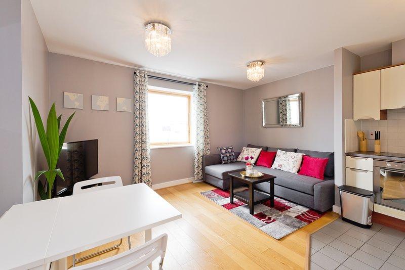 Cozy City Center Apartment with Spire View Preview listing, location de vacances à Santry