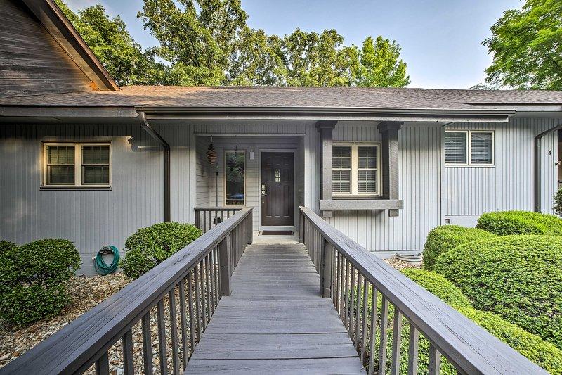 Escape to this gorgeous 2 bedroom, 2-bath vacation rental condo in Bella Vista.