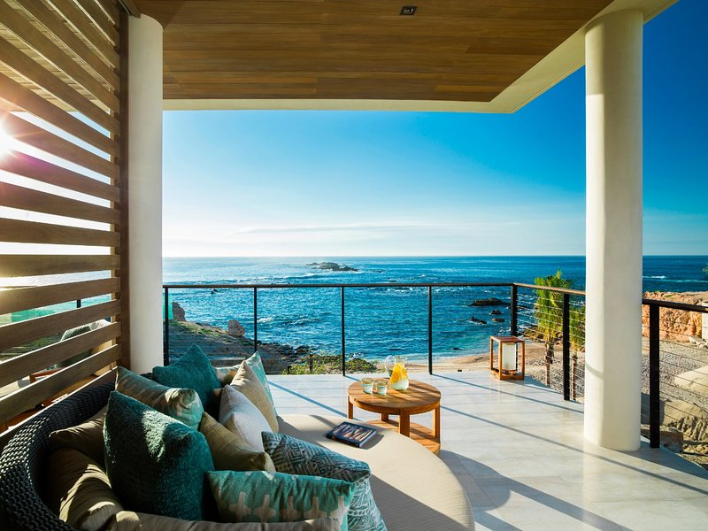Ocean View Villa w/ Pool Access, BBQ Grill, Fitness Center & Valet Parking, holiday rental in El Zacatal