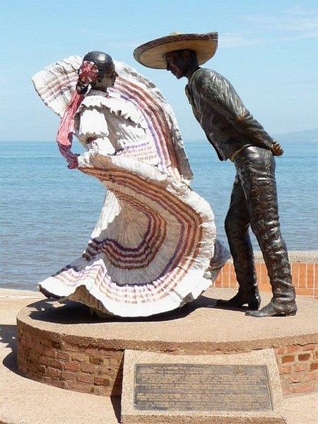 Puerto Vallarta Folkloric Dancers Statue