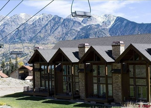 Luxury Townhome - Ski in/Ski Out - Best Location, holiday rental in Purgatory