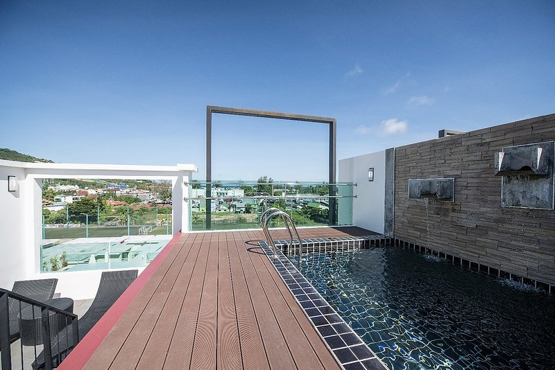3 BR Penthouse (502) with private roof top pool and sea view, holiday rental in Kamala