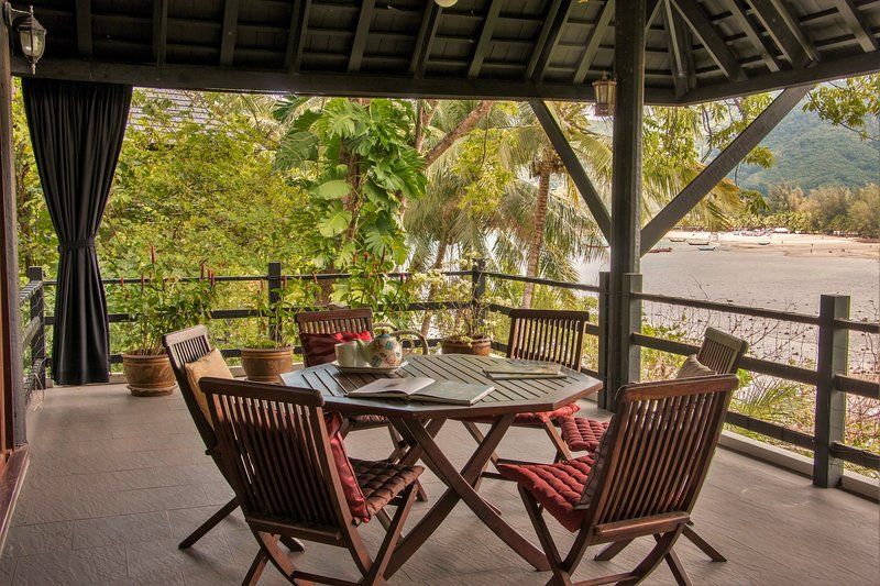 3BR Villa excellent for families w/ hotel service, holiday rental in Kamala