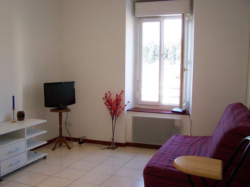 studio à 2 pas de la gare et du centre ville, vacation rental in Pennautier