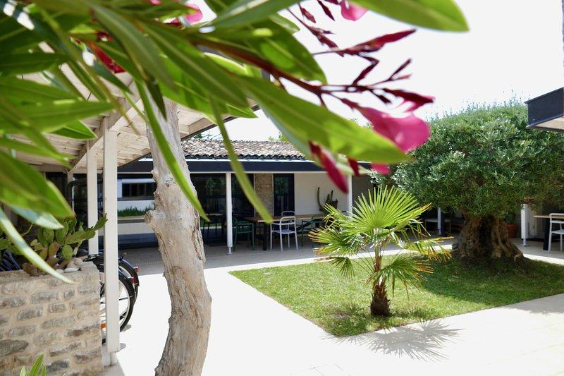 Amazing house near the beach & Wifi, casa vacanza a Saint-Denis d'Oleron
