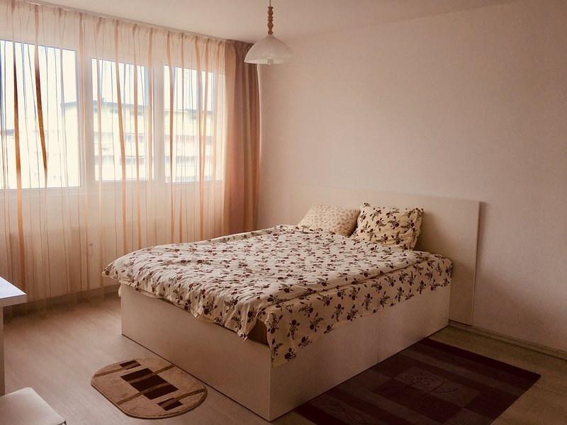 Eagle View City Center Apartment, holiday rental in Jilava