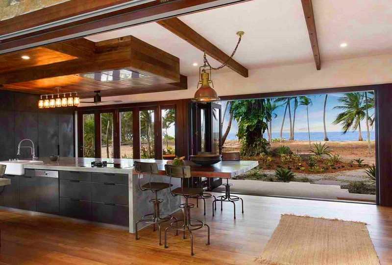Spice At Oak Award Winning Luxury Absolute Oceanfront House Oak Beach Near Port, vacation rental in Port Douglas