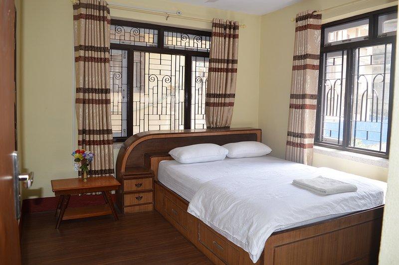 Thamel < 5 min walk 2BHK (Entire First Apartment), holiday rental in Nagarjun