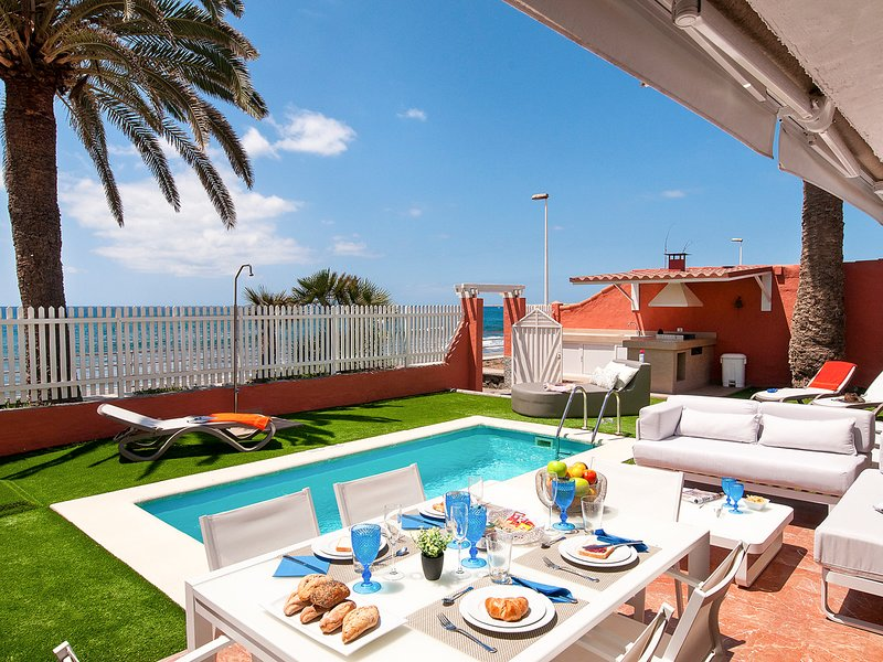 Playa del Ingles Villa Sleeps 10 with Pool Air Con and WiFi - 5636567, holiday rental in San Agustin