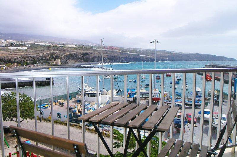 Apartment in 1st line from the sea in Playa San Juan, alquiler vacacional en Playa San Juan