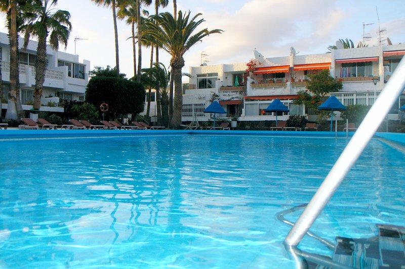 Apartment in Costa del Silencio, holiday rental in Las Rosas