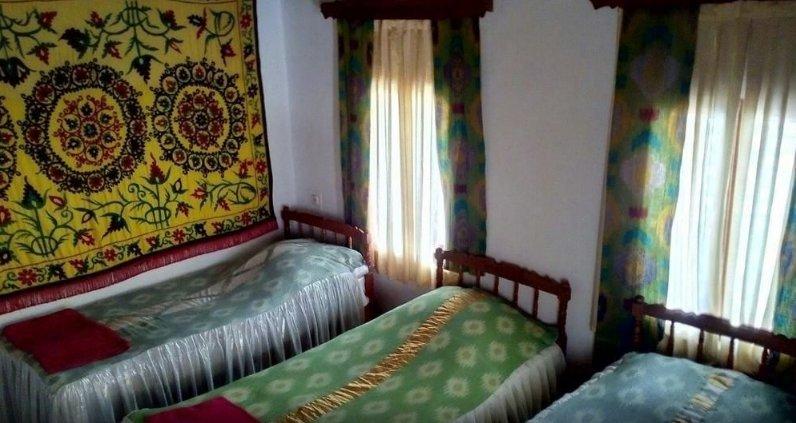 Bukhara Hotels Miraziz Ambari - Dormitory Room 1, alquiler de vacaciones en Uzbekistán