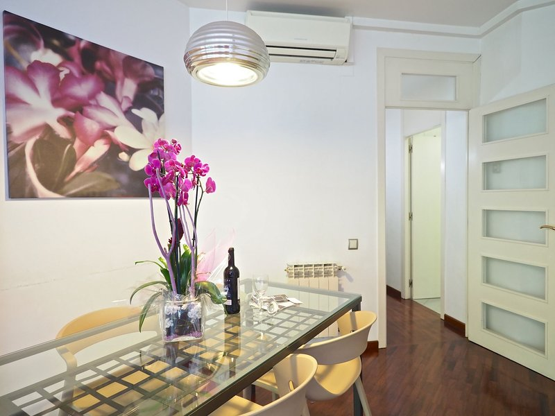 The Gaudi Suites I, vacation rental in Rubi