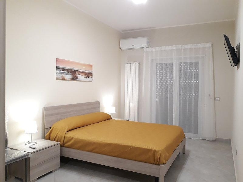 Appartamento Vacanze Cristoforo Colombo a 30 secondi dal mare, holiday rental in Patti