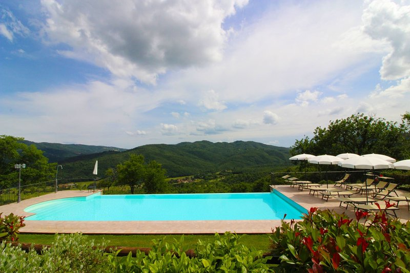 Staggiano Villa Sleeps 20 with Pool - 5636926, holiday rental in Palazzo del Pero