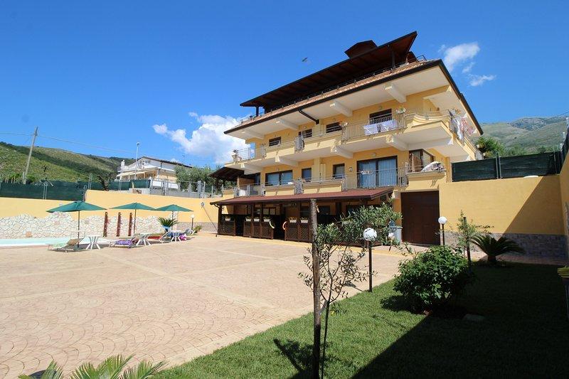 Mare e Monti B, holiday rental in Castellonorato