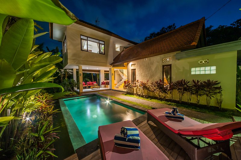 '50% OFF' 2 BR Villa Two Islands Ubud, holiday rental in Bedulu