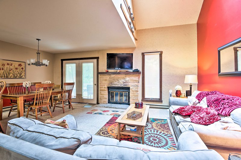 Three bedrooms and 2 bathrooms accommodate 12 guests.