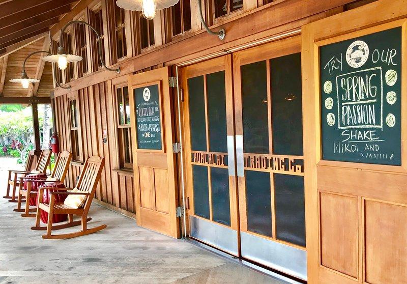 Four Seasons Resort Trading Company General Store, Coffee Shop e Gastronomia.