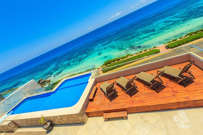 Isla 33 - 4 Bedroom PH #1301, holiday rental in Isla Mujeres