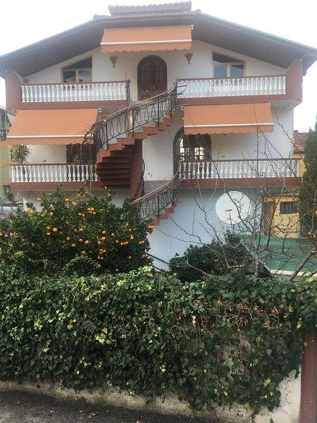 Hostel Villa, holiday rental in Tirana