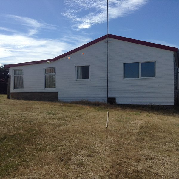 Coast Ridge Cottage, holiday rental in Falkland Islands
