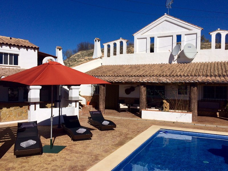 Welcome to Cueva Romana. Naturist friendly, adult only Cavehouse complex in the Granada mountains.