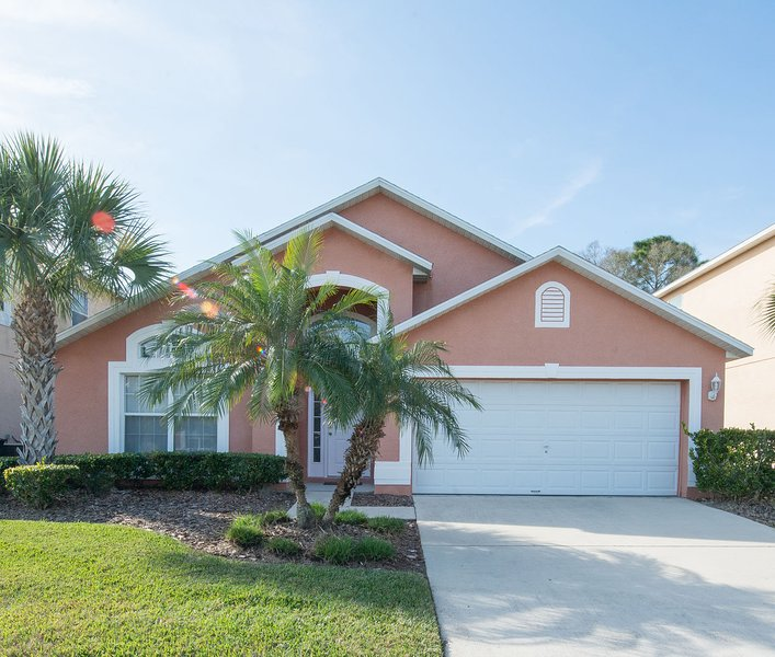 Excellent Family Vacation Home: in a super location, only 8 miles from Disney