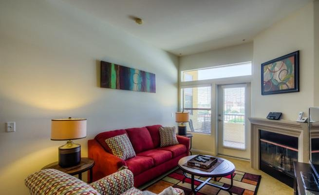 Glendon Westwood #5200, holiday rental in Beverly Hills
