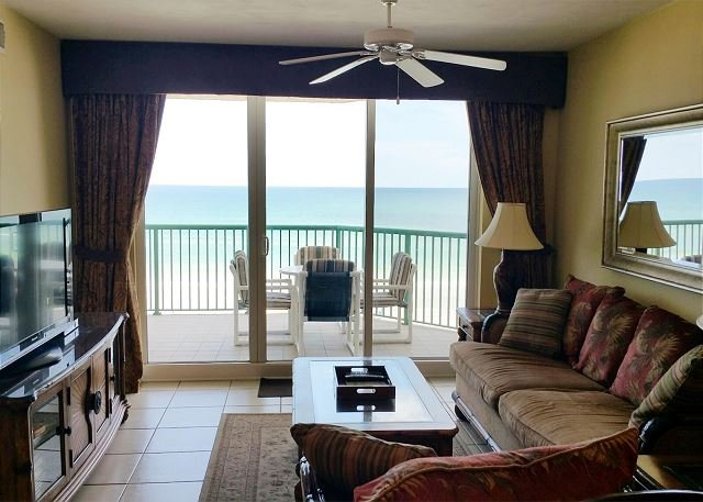 Relax in Luxury 2/2 Beachfront w/Big Jacuzzi Tub Lower Floor DTT #402, location de vacances à Daytona Beach Shores