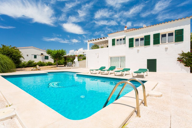 Casa Anna: Large Private Pool, Walk to Beach, WiFi – semesterbostad i Sant Climent