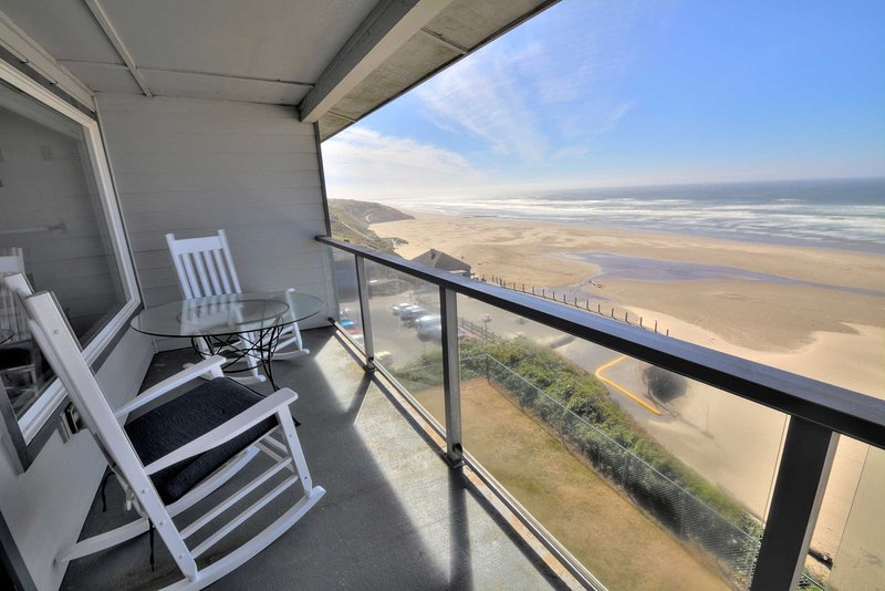 This property features shielded decks for comfortable ocean viewing and whale watching in comfort.