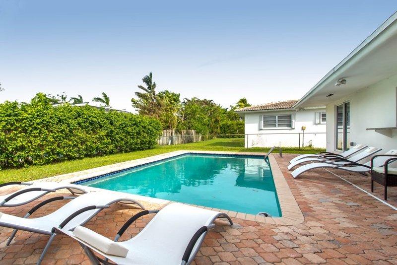 Casablanca Luxury Home Sleeps 10 - 5BR 3BTH, location de vacances à Pembroke Park