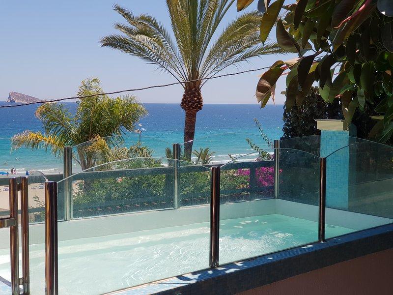 Sea Dreams House. Frente al Mar. Playa Poniente. La Cala de Benidorm, location de vacances à Benidorm