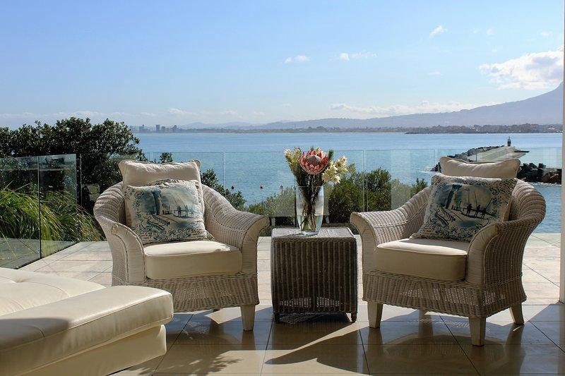 The View at Bikini Beach Suites, location de vacances à Gordon's Bay