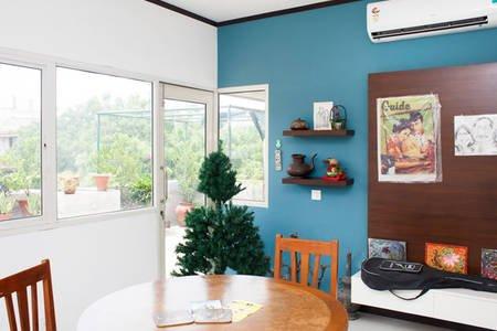 Charming Studio with Terrace Garden, Ferienwohnung in Neu-Delhi