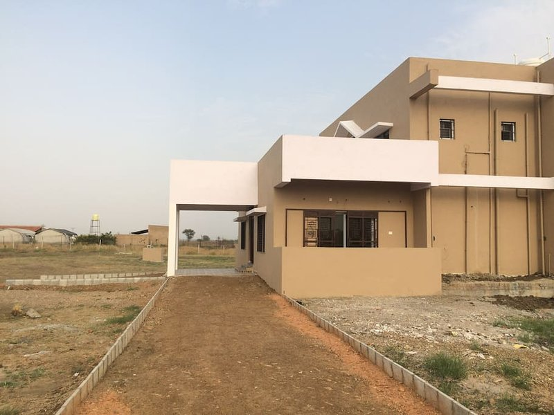 Whitehouse Farms, Tadoba (Bedroom 3), holiday rental in Chandrapur District